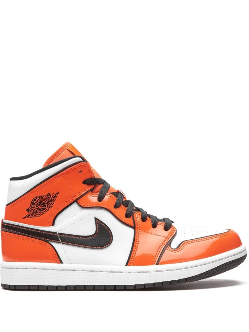 air-jordan-1-mid-orange-turf-se